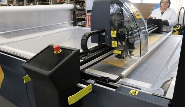 Cette machine de découpe fait partie des derniers investissements réalisés par le groupe Partson.© Ouest-France